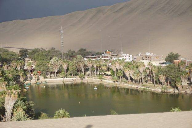 Huacachina – dune buggy and sand boarding in Peru
