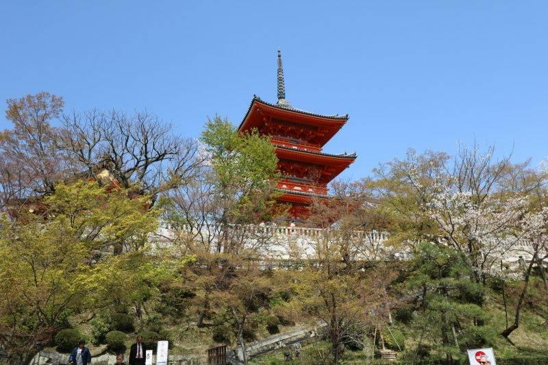 Kiyomizudera famous temple in kyoto