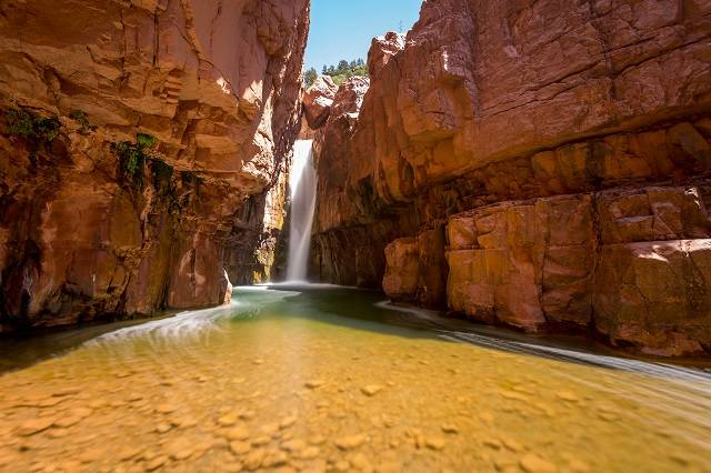 hikes to waterfalls in arizona